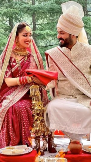 First Pics Of Celeb Couples As Mr and Mrs
