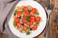 Fruity quinoa salad diet to Lose weight