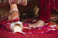 Image Courtesy: Pinterest Gujrati wedding rituals