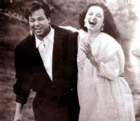 Rekha with husband Mukesh Agarwal
