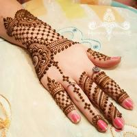 back mehendi design Image Courtesy: Pinterest