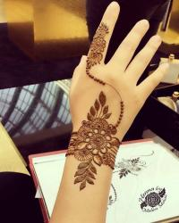 Back mehendi design Pinterest