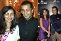 Chetan Bhagat Apology To His Wife Anusha Bhagat