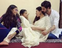 Sushmita Sen, Her daughters and boyfriend, Rohman Shawl