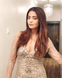 Gaurav Chopra And Surveen Chawla Love Affair