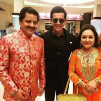 Udit Narayan with family