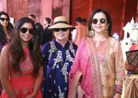 Smt Nita Ambani with her daughter Isha Ambani along with Former First Lady Hillary Clinton at Swadesh Bazar