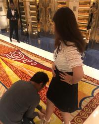 MS Dhoni tying his wife, Sakshi's shoes