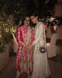 Sara Ali Khan and mommy
