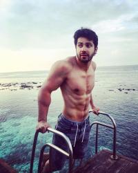 6 Fitness Secrets Behind The Hot Body Of Bollywood Heartthrob Varun