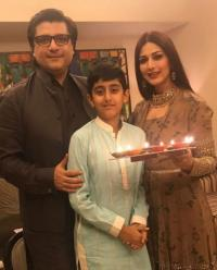 Sonali Bendre and Goldie Behl with their son