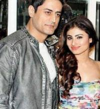 Mouni roy not friends with mohit