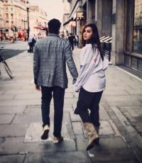 Shibani Dandekar Shares Pic With Farhan Akhtar Walking Hand In Hand