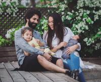 Family pic of Shahid, Mira, Misha and Zain