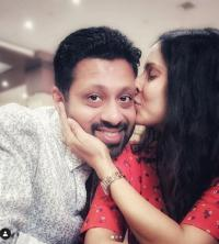 Chhavi Mittal took to Instagram and posting a few adorable pictures with her hubby, Mohit Hussein