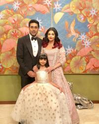 Aishwarya Rai Bachchan with Abhishek Bachchan and daughter Aaradhya