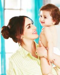 Esha Deol flaunts her baby bump during an ad commercial