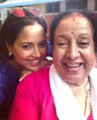 Sameera Reddy with her mother