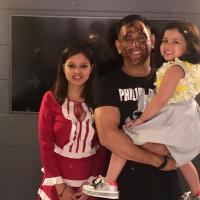 MS Dhoni with wife, Sakshi Dhoni and Daughter, Ziva Singh Dhoni