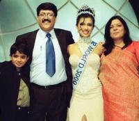 priyanka with father
