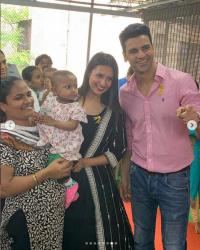 divyanka and vivek at an ngo