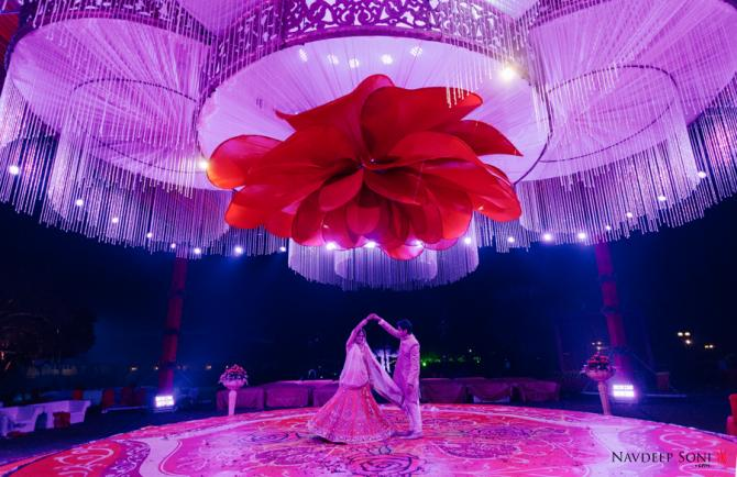 This fun and vibrant gujarati wedding will give you some really cool wedding dcor 7x ahmedabad and r one events media mumbai florist 7x ahmedabad caterer gordhan caterers ahmedabadmadhubhan hospitality team wedding junglespirit Image collections