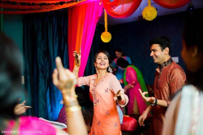Mehndi Ceremony Description : Top beautiful engagement mehndi designs for womens