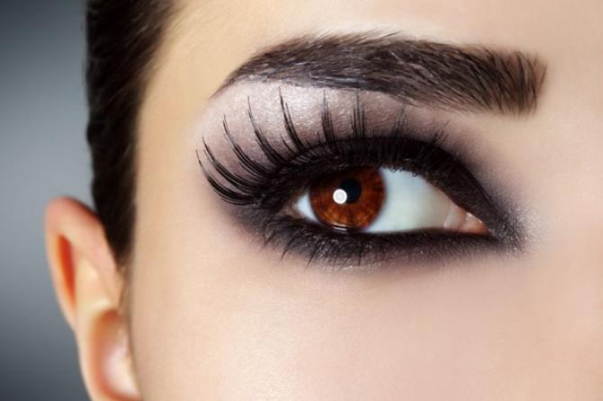 how to make deep set eyes look brighter