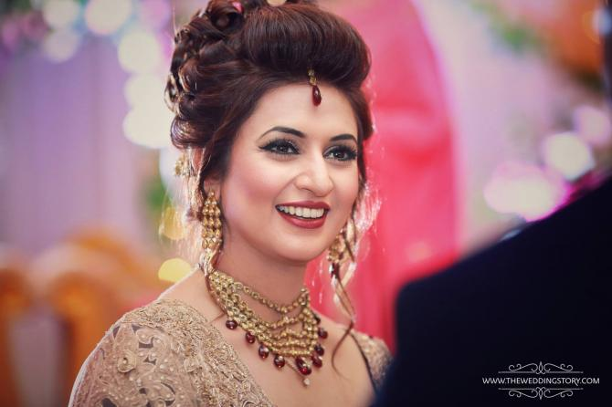 Steal The Look Divyanka Tripathi S Bridal Looks Decoded