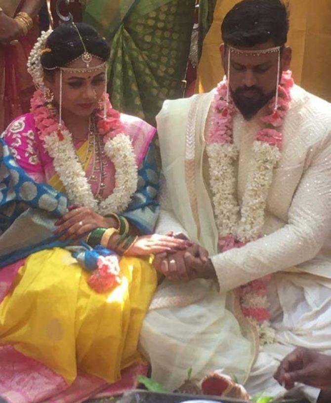 Just married bride saree in full hd desi video home mast chudai hindi - 5 10