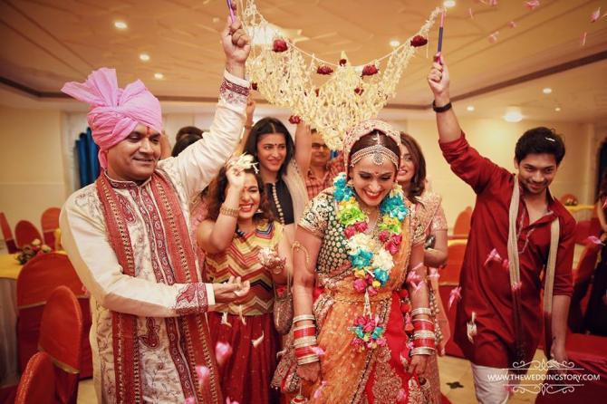 Mehndi Dupatta Decoration : 7 phoolon ki chaadar ideas to make the brides entry a treat for