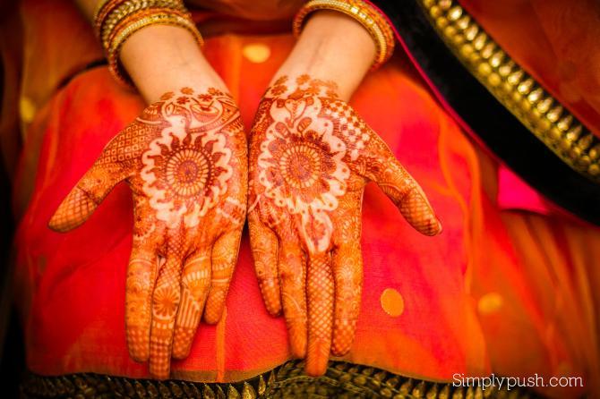 Gorgeous Bridal Mehndi Designs : 50 beautiful mehendi designs flaunted by gorgeous indian brides