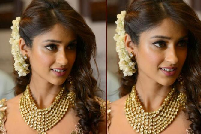 open hair style 10 gorgeous gajra hairstyles to dazzle at your bestie s 7014