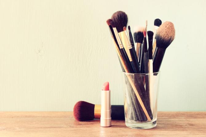 نتيجة بحث الصور عن keep cosmetics free from germs