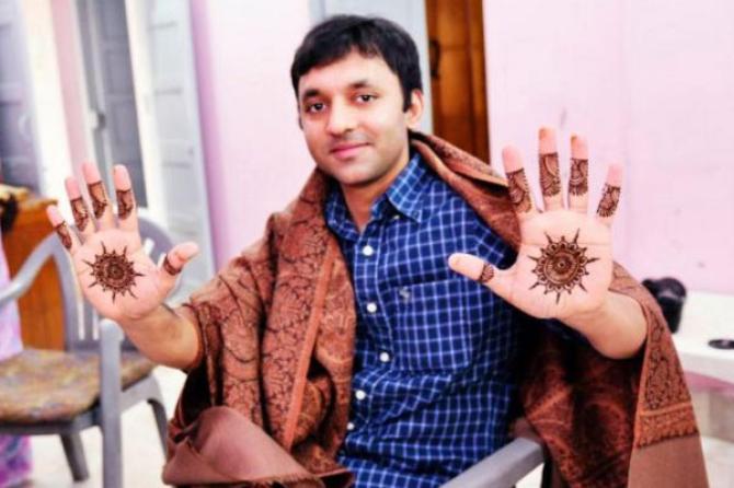 20 Minimal Mehendi Designs For Grooms To Surprise Their Beautiful Brides