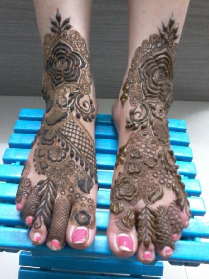 elizabeth holmes feet