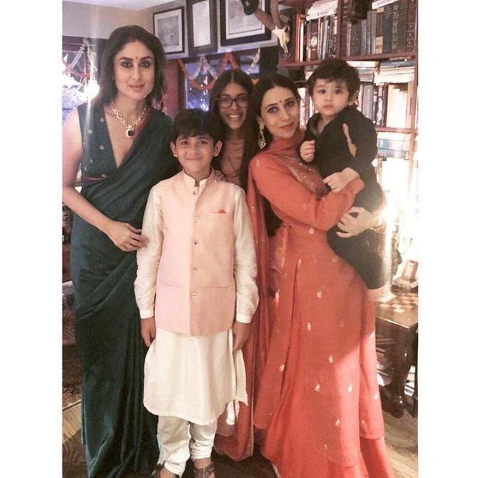 Kareena Kapoor Khan, Karisma Kapoor, Taimur Ali Khan, Samaira Kapoor and Kiaan Raj Kapoor