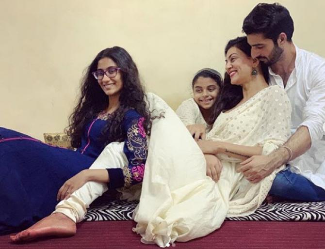 Sushmita Sen, Renee, Alisah and Rohman Shawl