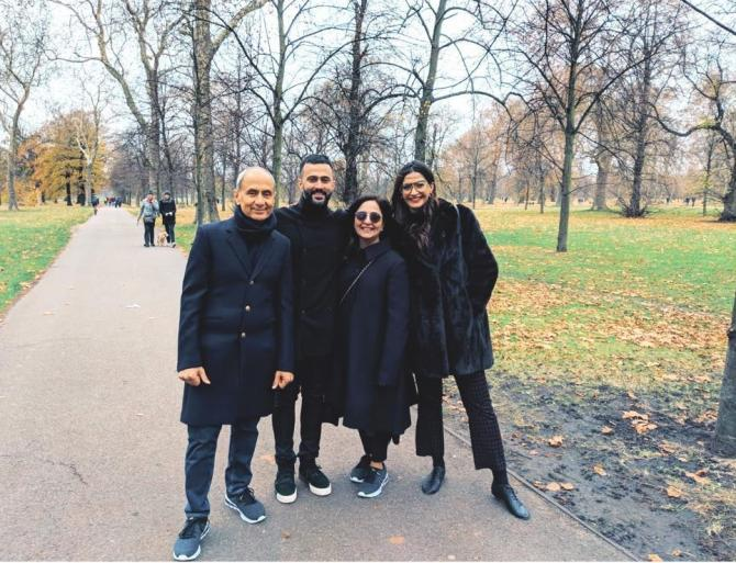 Sonam Kapoor Ahuja with her in-laws