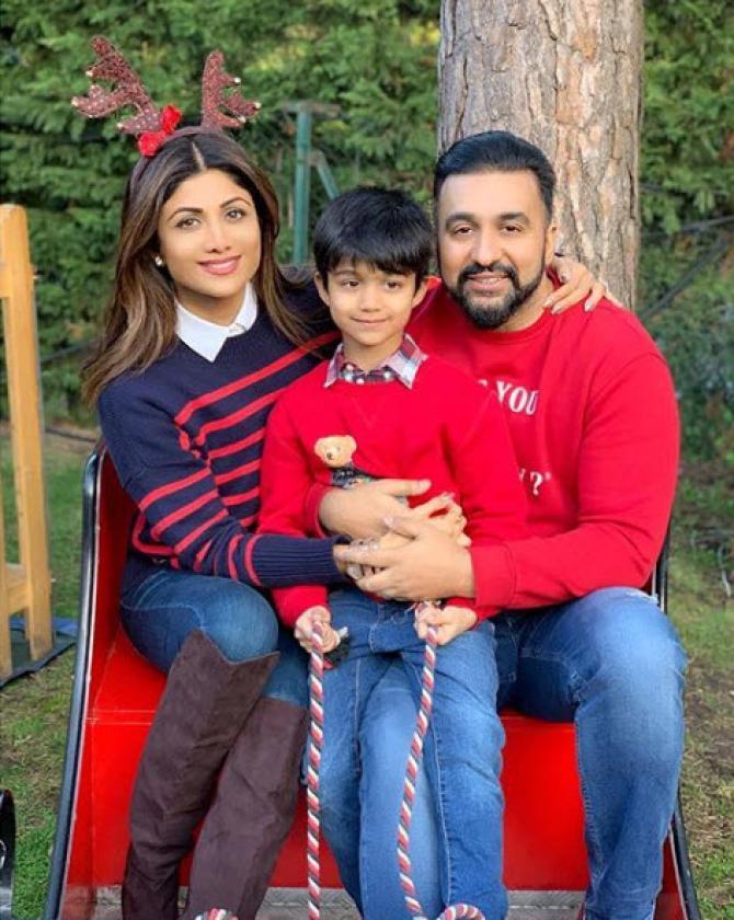 Kundras wishing Merry Christmas