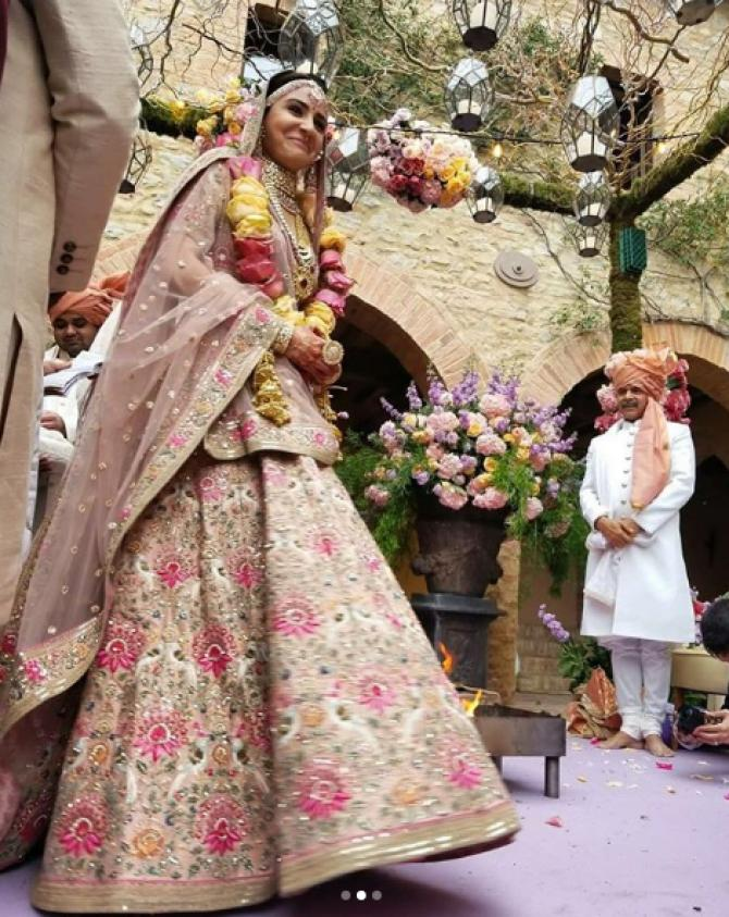 The Pink Lehenga 12 Celeb Message Wore And  Gave Who Brides