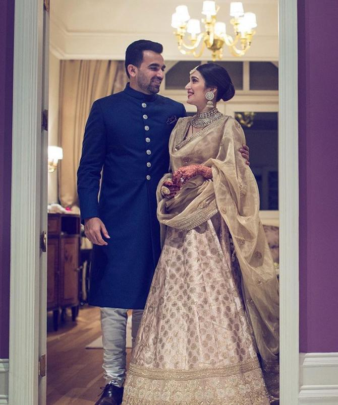19 Bollywood Brides And Their Wedding Reception Looks That Became A ...