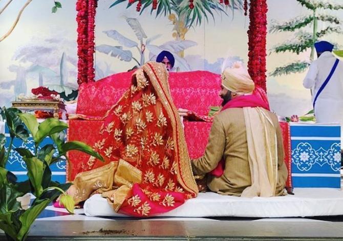Image result for sonam kapoor anand karaj