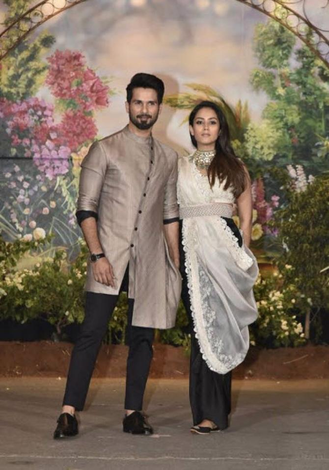 Soon To Be Mommy Mira Rajput Kapoor Flaunts Her Baby Bump At Sonam