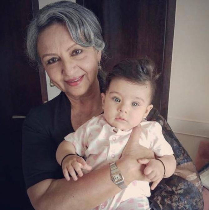 Inaaya Naumi Kemmu with Sharmila Tagore