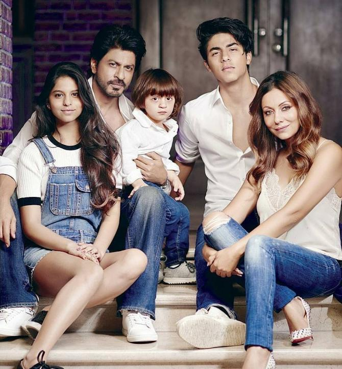 Shah Rukh Khan And His Family Made A Big Promise Together On This Raksha Bandhan