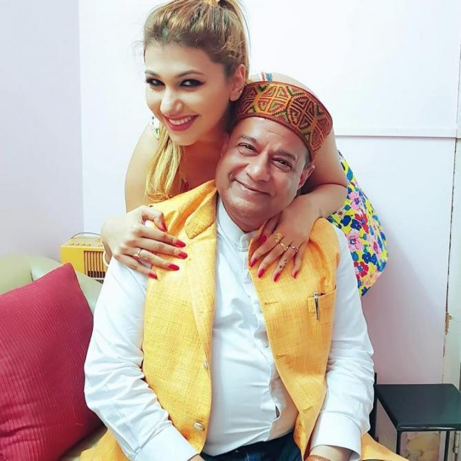Jasleen Matharu and Anup Jalota Relationship