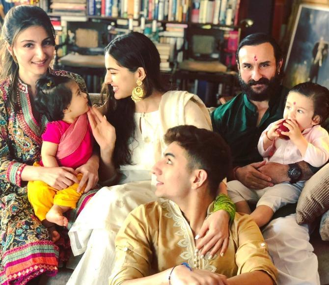 Saif Ali Khan, Soha Ali Khan, Sara Ali Khan, Ibrahim Ali Khan, Taimur Ali Khan and Inaaya Naumi Kemmu