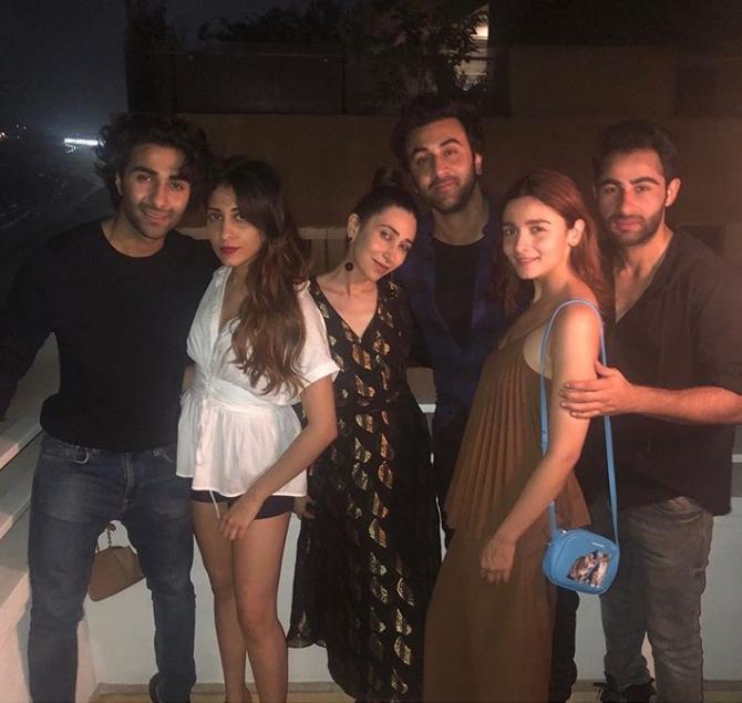 Alia Bhatt Parties With Ranbir Kapoor And Karisma Kapoor