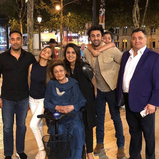 Rishi Kapoor, Neetu Kapoor, Ranbir Kapoor and Riddhima Kapoor Sahni